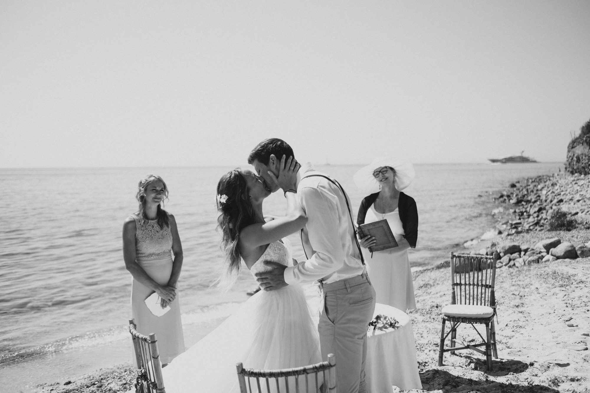 a sunny funny stylish sardinian wedding / S&F part II