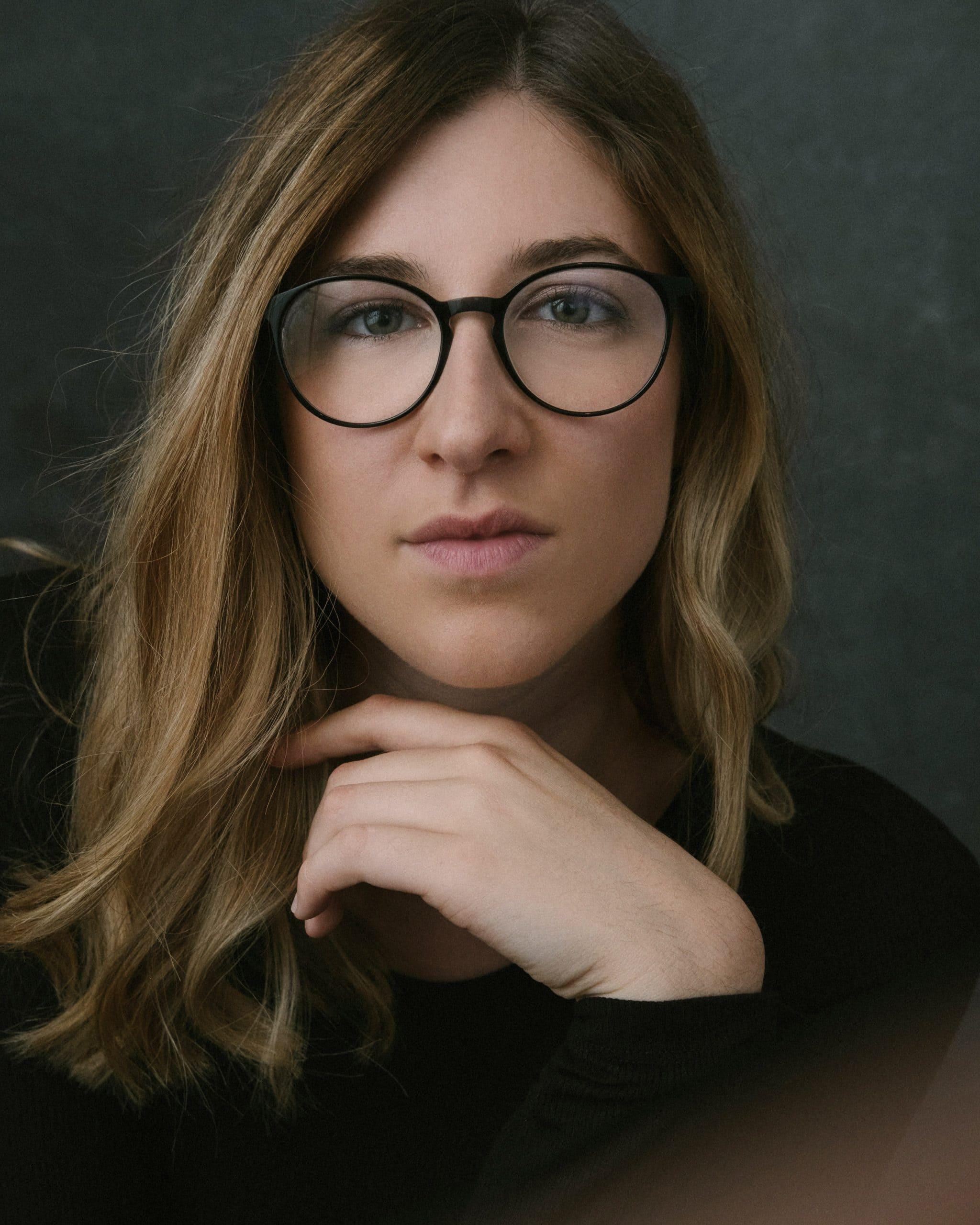 Elisa, Hebamme